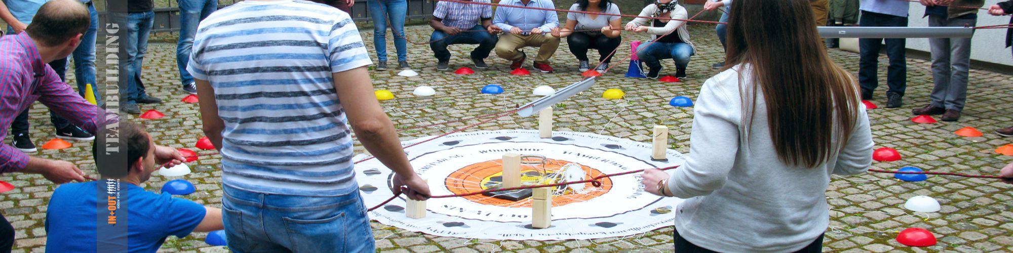 An einem Strang ziehen - IN+OUT Team Target Challenge Würzburg
